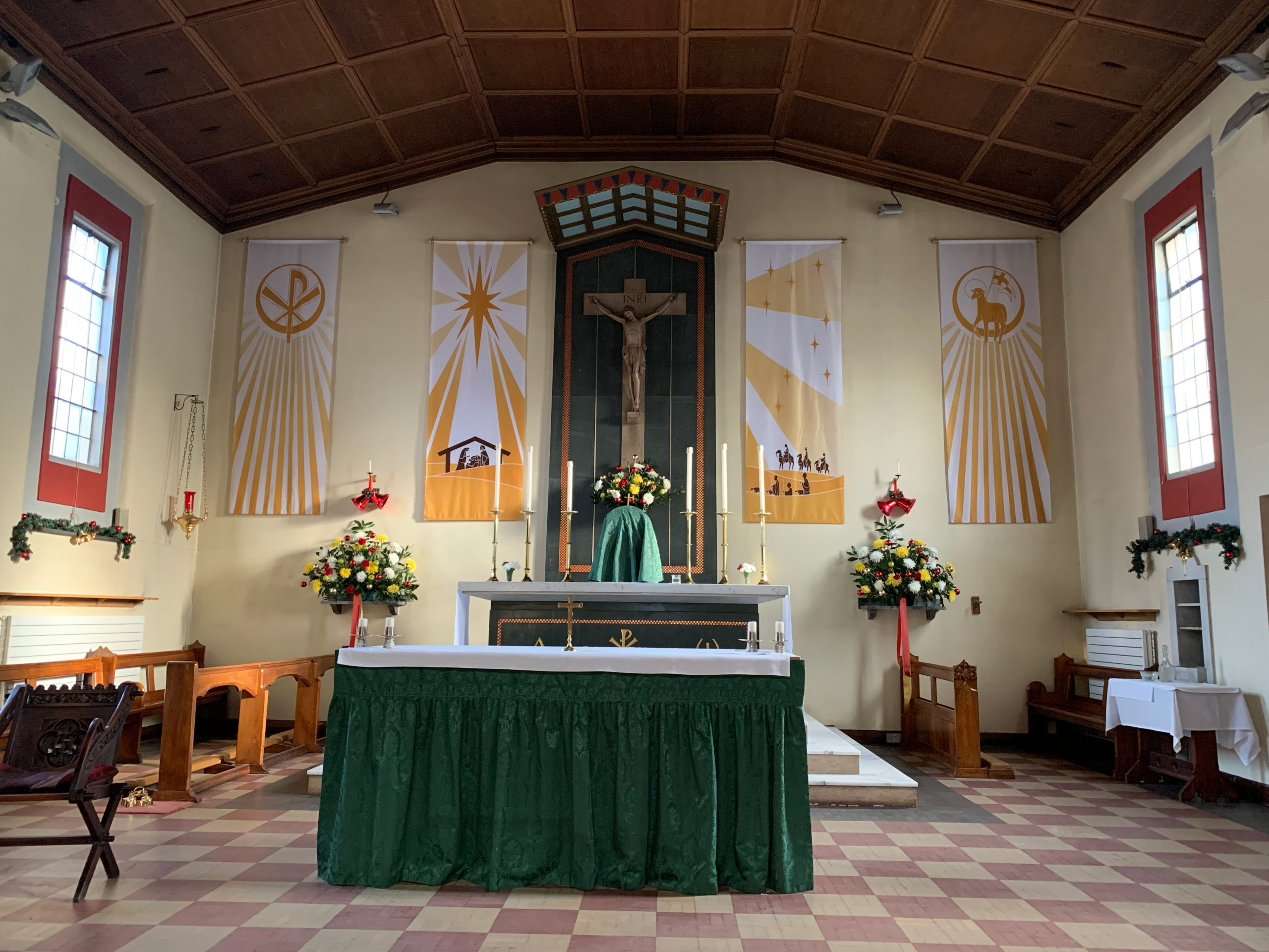 Our Lady & St Philip Neri RC Church, Sydenham - Sanctuary